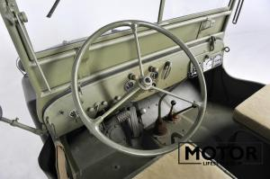 Jeep ww2 in crate024
